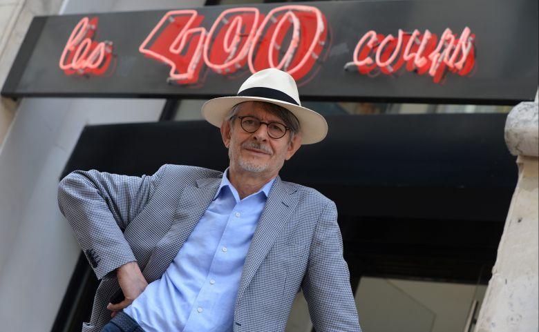 """""""On vient de passer un sale moment"""" Claude-Eric Poiroux, directeur du cinéma les 400 Coups à Angers. / © MaxPPP"""