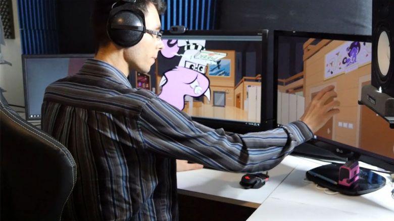 Jérémie, alias OhPonyBoy, travaille pour le moment depuis chez lui, où il s'est aménagé un studio. / © OhPonyBoy